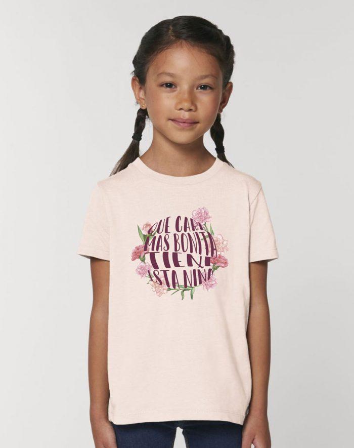 camisetas sostenibles que cara más bonita tiene esta niña
