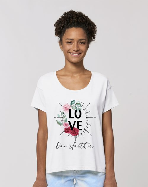 Camisetas sostenibles love one another